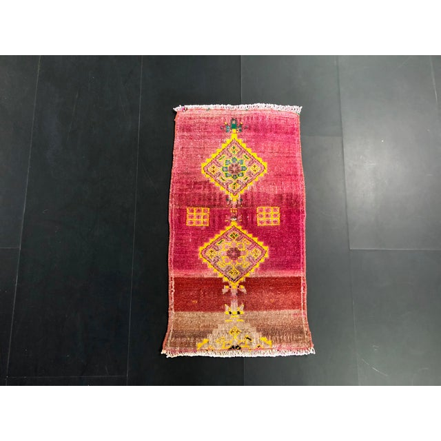 "1960's Turkish Oushak Pink Rug-1'3'x2'3"" For Sale In Phoenix - Image 6 of 6"
