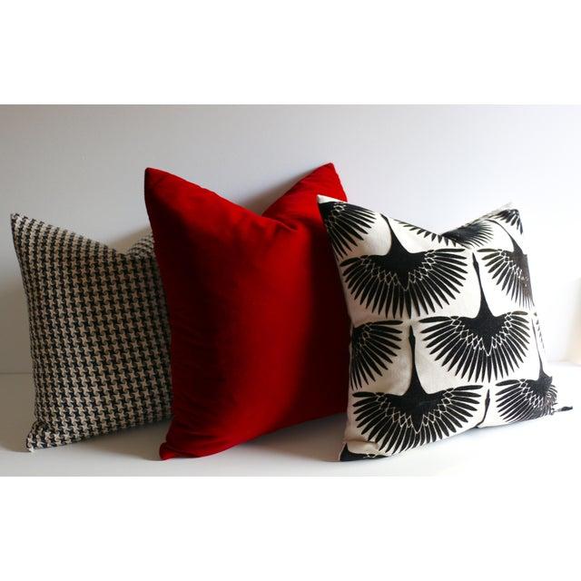 Art Deco Onyx Velvet Swan Pillow For Sale - Image 3 of 4