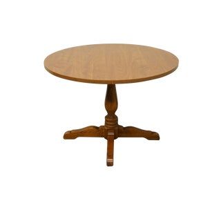 20th Century Early American Ethan Allen Heirloom Nutmeg Maple Round Dining Table For Sale