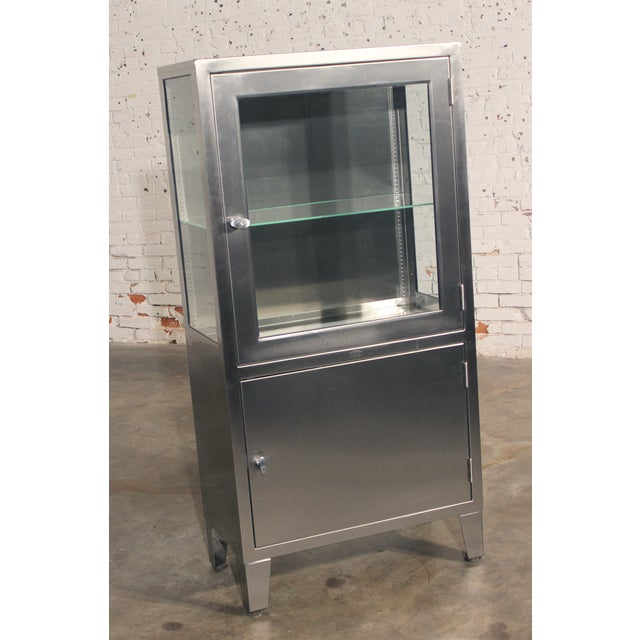 Stainless Steel Lit Medical Cabinet - Image 2 of 9