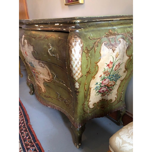 18th Century Venetian Rococo Bombe Chest of Drawers For Sale - Image 12 of 13