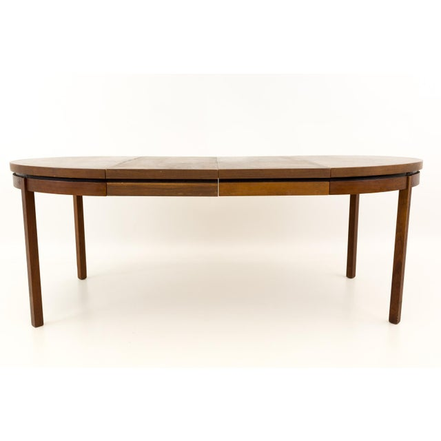 Milo Baughman for Dillingham Esprit mid century modern round dining table. 45 long x 45 deep x 28.5 high - There are 2...