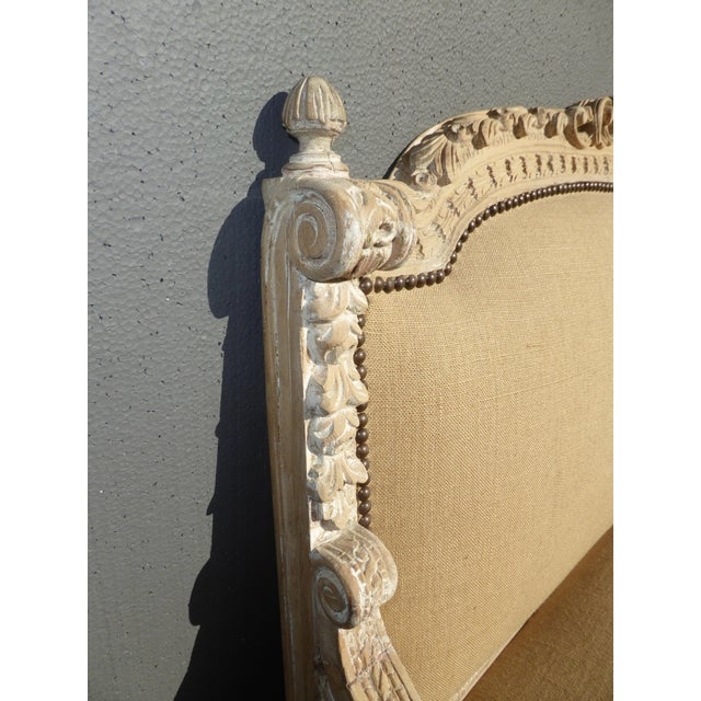 French Provincial Burlap & Carved Wood Settee For Sale In Los Angeles - Image 6 of 10