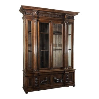 Grand 19th Century Italian Walnut Neoclassical Bookcase For Sale