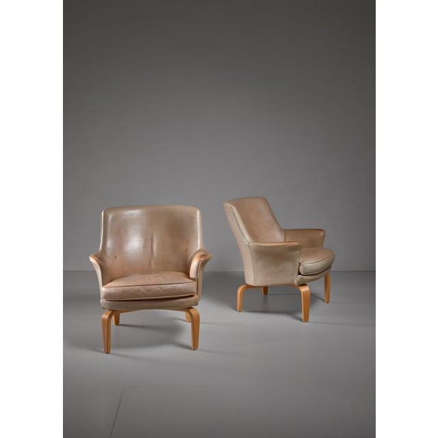 Mid-Century Modern Arne Norell pair of 'Pilot' lounge chairs, Sweden For Sale - Image 3 of 5