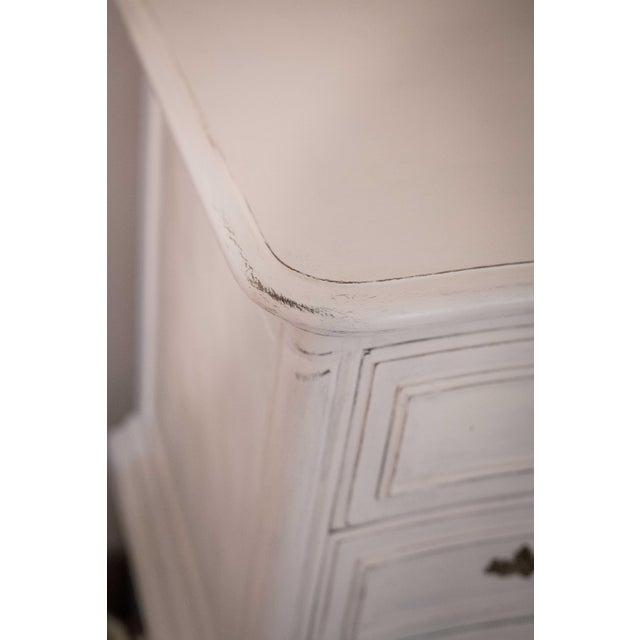 Thomasville Vintage White French Provincial Chest of Drawers - Image 7 of 9