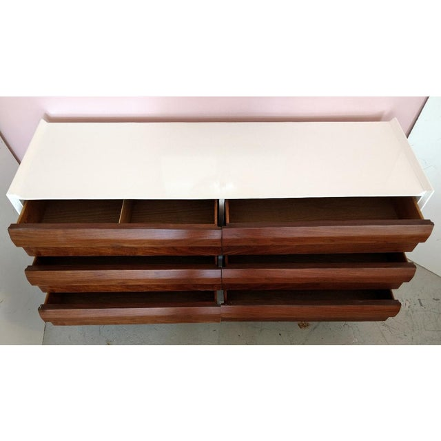 Lane Furniture, Restored Chest of Drawers/Console, Mid-Century For Sale In Miami - Image 6 of 11