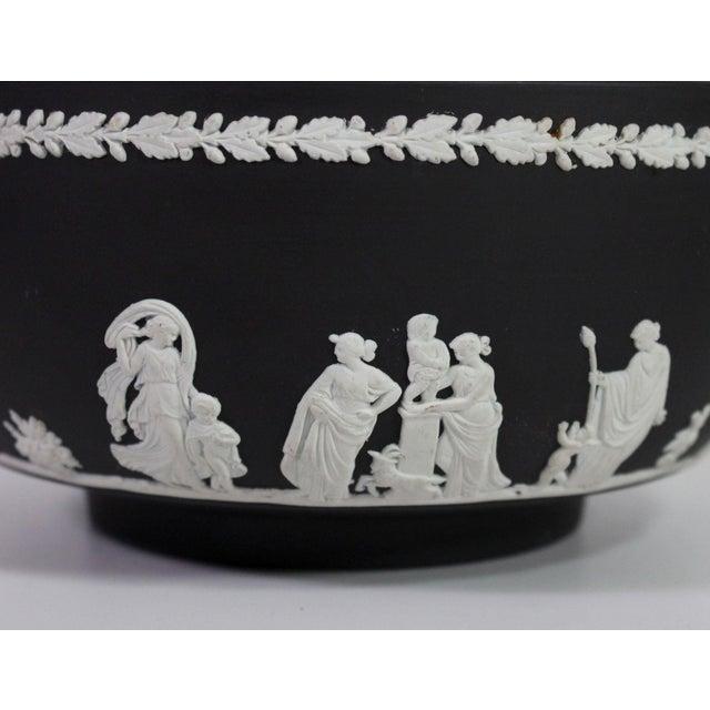 "1940s 1940s Neoclassical Greek Figurative Wedgwood Jasperware Black ""Sacrifice Bowl"" For Sale - Image 5 of 10"