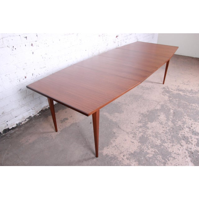 1960s Kipp Stewart for Calvin American Design Foundation Walnut and Rosewood Boat-Shaped Extension Dining Table For Sale - Image 5 of 13