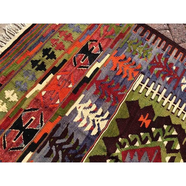 1960s Vintage Turkish Kilim Rug For Sale - Image 5 of 8