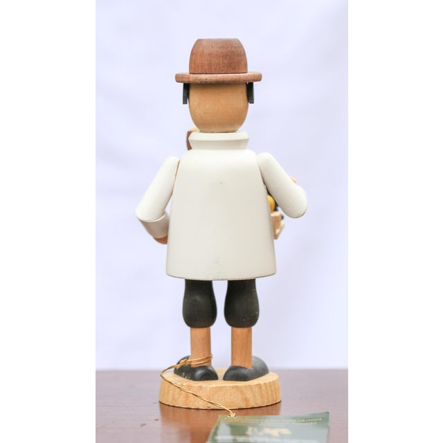 This little smoking man would make a wonderful Christmas gift for the person in your life who loves traditional...
