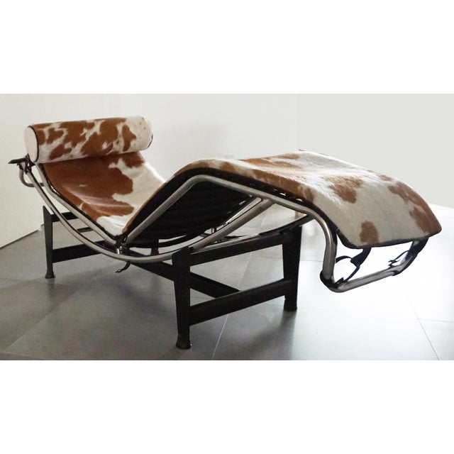Vintage L'Corbusier Lc4 Style Cowhide Upholstered Chaise Lounge - Image 3 of 5