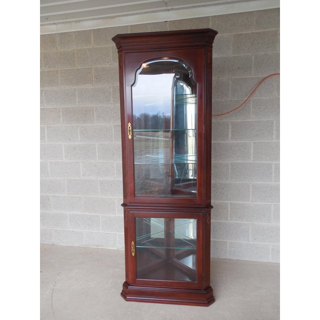 Ethan Allen Georgian Court Curio Lighted Corner Cabinet 11-9018 Finish 205 For Sale - Image 10 of 10