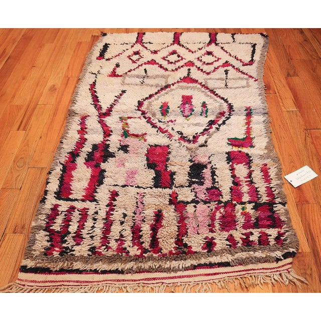 Vintage Moroccan Colorful Wool Rug - 3′5″ × 5′9″ For Sale In New York - Image 6 of 10