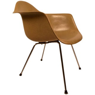 Transitional Eames Herman Miller, Venice, Ca, Shell Chair For Sale