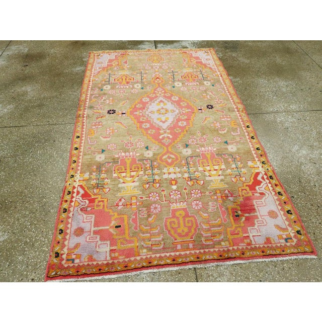"""Vintage Persian Mahal Rug – Size: 3' 11"""" X 6' 8"""" For Sale - Image 4 of 10"""