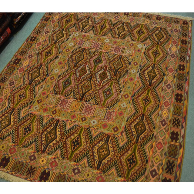 "Size: 4'5"" x 5'7"" ft This rug will add a stunning design accent to your home. Whether you have hardwood floor, carpet or..."