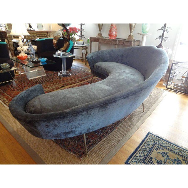 Mid-Century Italian Curved Sofa With Brass Legs Attributed to Federico Munari For Sale In Houston - Image 6 of 9