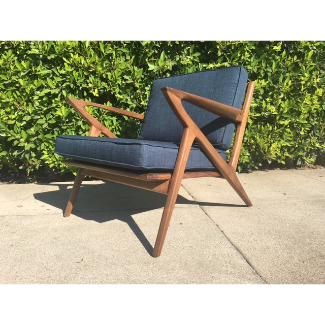 Mid-Century Modern Modern Walnut Z-Lounge Chair For Sale - Image 3 of 6