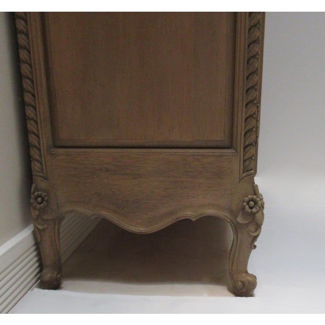 Early 20th Century French Louis XV Style Carved Mahogany Wood Wall Cabinet/Armoire For Sale - Image 11 of 13