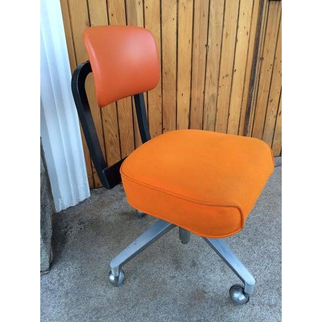 Vintage SteelCase Orange Office Chair - Image 4 of 8