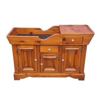 Vintage Mid Century Drake Smith & Co Pine Dry Sink Cabinet Early American Colonial Bar Primitive For Sale