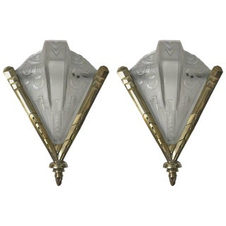 French Art Deco Geometric Sconces Signed by Muller Frères - A pair For Sale