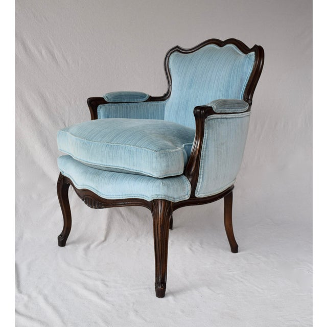 Pair of French Provincial Berger'e Chairs For Sale In Philadelphia - Image 6 of 12