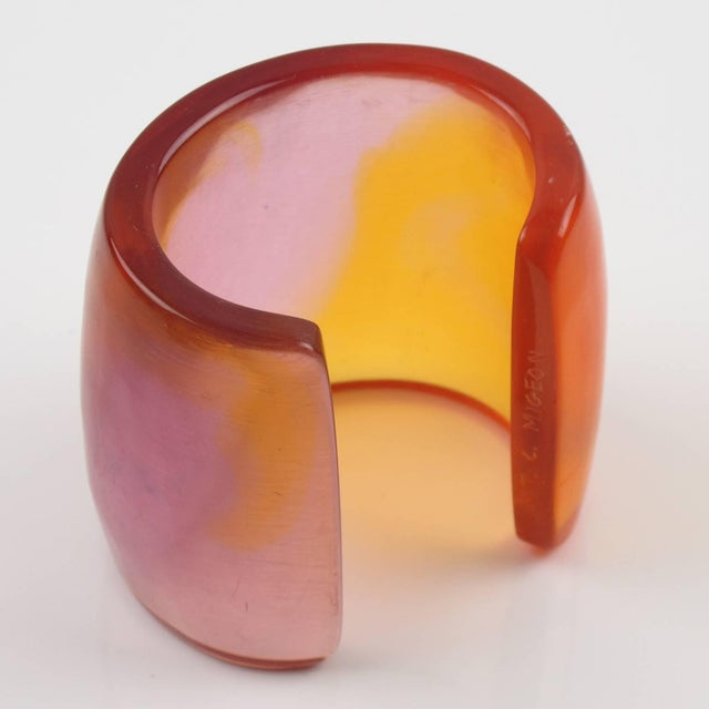 French Designer Studio Migeon and Migeon Oversized Resin Cuff Bangle For Sale In Atlanta - Image 6 of 10