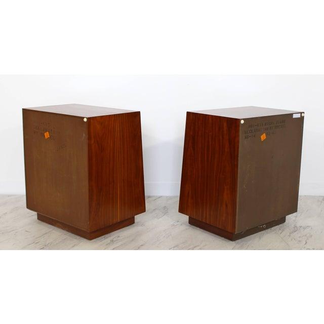 Kipp Stewart Mid-Century Modern Kipp Stewart Drexel Declaration Walnut Pair of Nightstands For Sale - Image 4 of 10