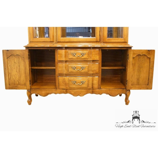 """Thomasville Furniture Tableau Collection French Provincial 50"""" China Cabinet For Sale In Kansas City - Image 6 of 12"""