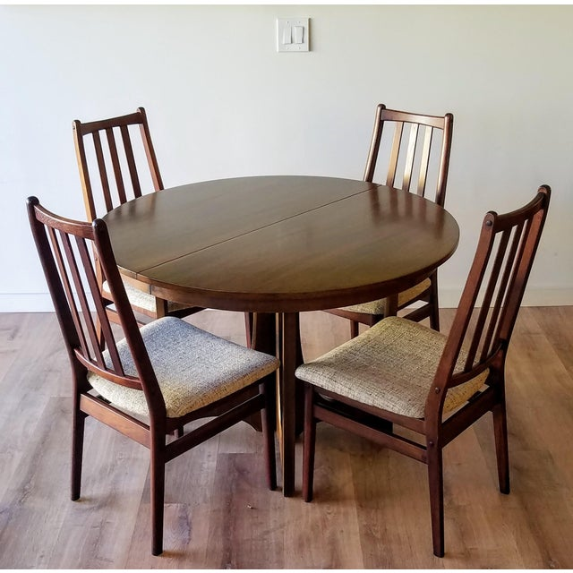 Brown 1960s Broyhill Brasilia Round Dining Table For Sale - Image 8 of 13