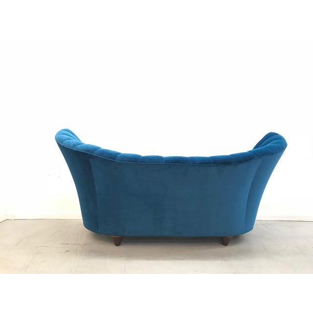 Vladimir Kagan 1960s Art Deco Asymmetrical Blue Upholstereed Channel Back Sofa For Sale - Image 4 of 9
