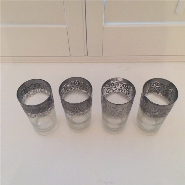 Dorothy Thorpe Ombré Embossed Glasses - Set of 4 For Sale - Image 7 of 8