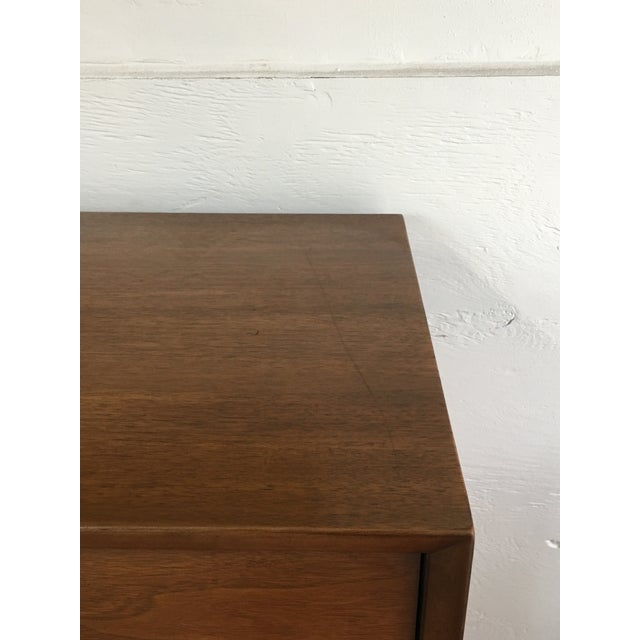 Henredon Henredon 1960s Mid-Century Walnut Highboy For Sale - Image 4 of 7