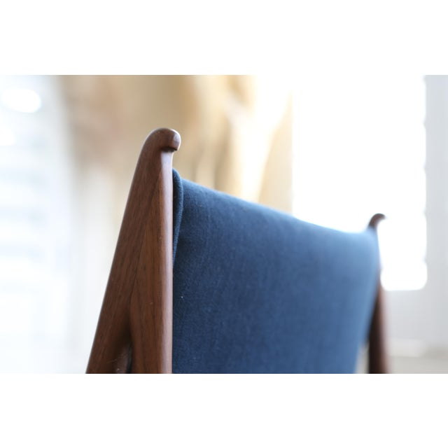 Mid Century Modern Teak Dining Chairs in Navy Blue - Set of 8 For Sale In Los Angeles - Image 6 of 11