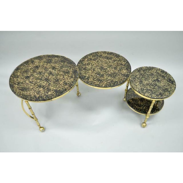 1970s Hollywood Regency Brass and Glass Faux Bamboo Round Nesting Expanding Cocktail Coffee Side Table For Sale - Image 4 of 11