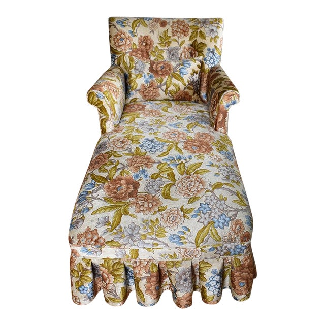 Velvet Floral Button Tufted Chaise Longue With Pleated Skirt For Sale