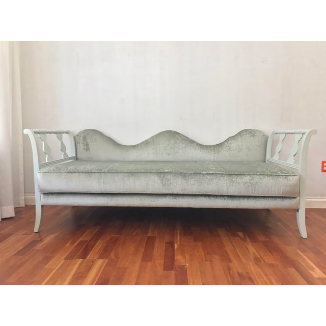 Early 20th Century Victorian Style Velvet Daybed Sofa Sculptural Back For Sale - Image 11 of 11