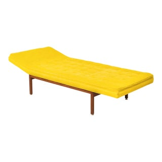 Mid Century Nelson or Risom Style Daybed Chaise Sofa With Yellow Knoll Fabric For Sale