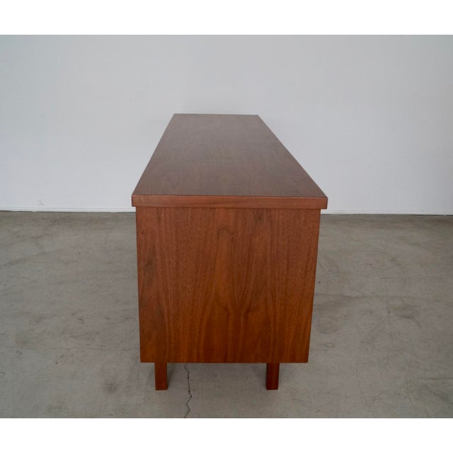 1960s Mid-Century Modern Refinished Walnut Credenza For Sale In Los Angeles - Image 6 of 13