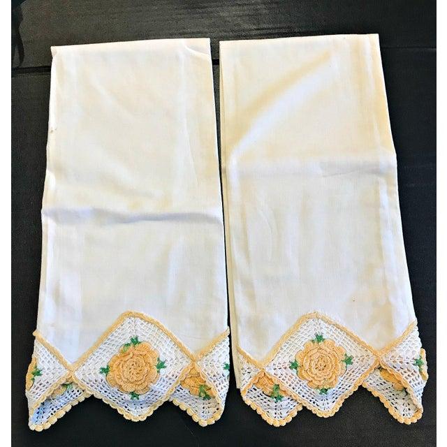 Vintage Crochet Rose Trim Pillowcases - A Pair - Image 4 of 4