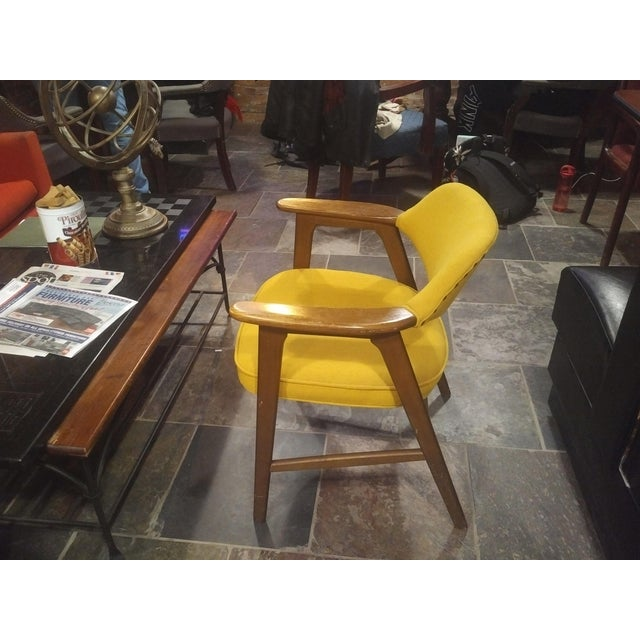 Danish Modern Mid-Century Modern Yellow Padded Paoli Chair For Sale - Image 3 of 6
