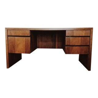 Mid Century Modern Walnut Desk Milo Baughman for Dillingham For Sale