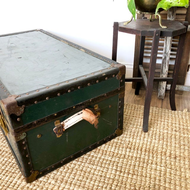 1940s Traditional Green Steamer Trunk Coffee Table For Sale In New York - Image 6 of 13