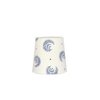 Desmond Sister Parish Fabric Chandelier Sconce Lamp Shade in China Blue For Sale