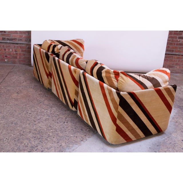 1970s American Modern Five-Piece Chevron Sectional Sofa For Sale In New York - Image 6 of 13