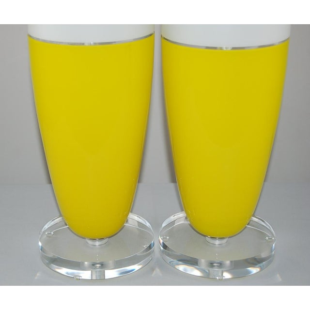 1960s Vintage Murano Glass Capsule Table Lamps in Yellow/White For Sale - Image 5 of 11