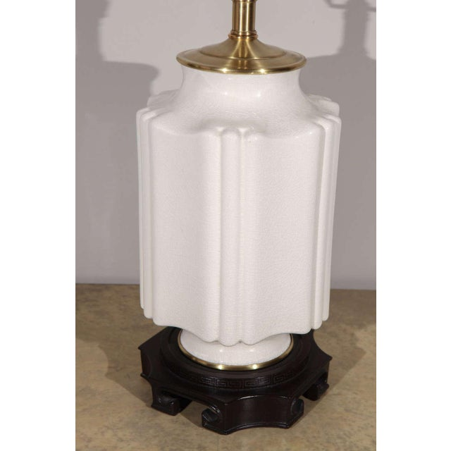 Chinoiserie White Crackle Glaze Table Lamp For Sale In Los Angeles - Image 6 of 8