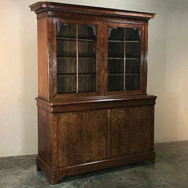 Neoclassical Mid-19th Century Louis Philippe Mahogany Bookcase For Sale - Image 3 of 11
